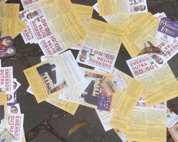 A distribuição de Santinhos no dia da eleição é crime?