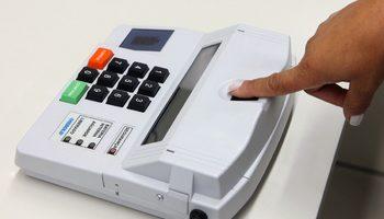 Quem não fez biometria pode votar?